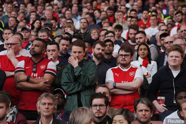 Sad fans