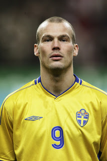 Freddie playing for Sweden