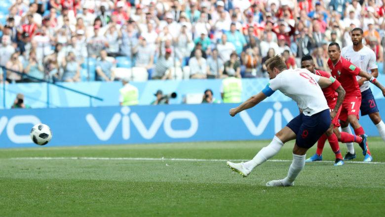 Kane Panama penalty kick