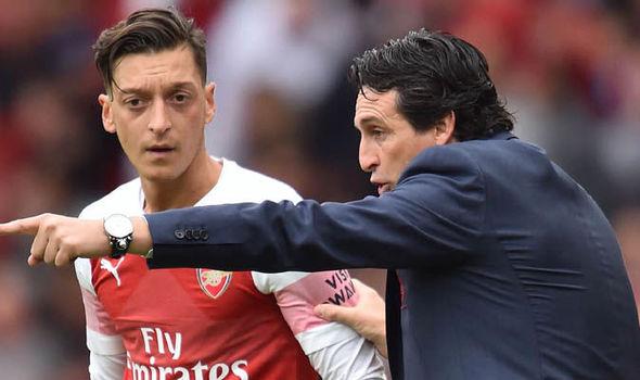 Arsenal-news-Unai-Emery-Mesut-Ozil-1008598