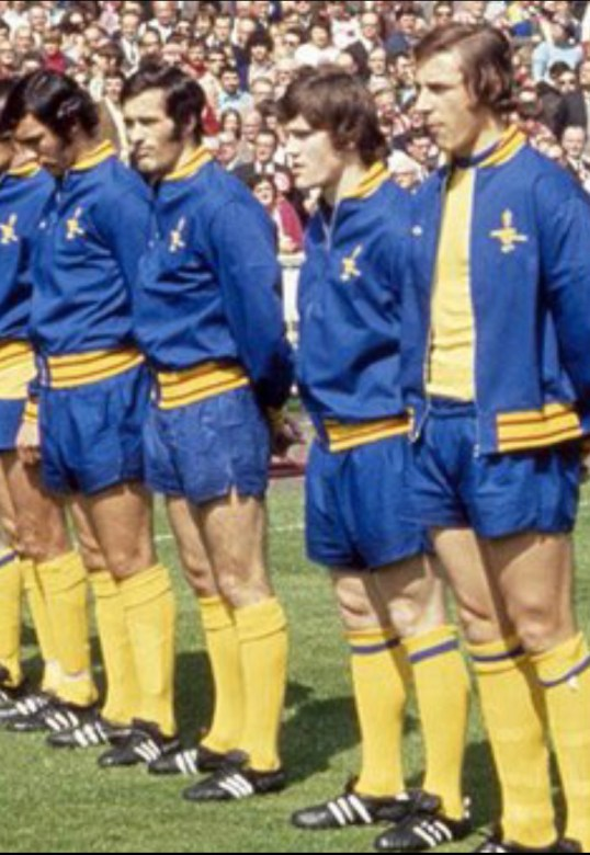 Pat and the boys in that classic tracksuit before the 1971 FA Cup Final