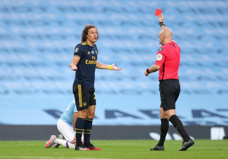 luiz-red-card
