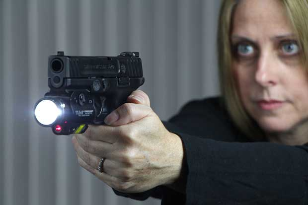 Smith & Wesson SD40 Streamlight laser weapon light