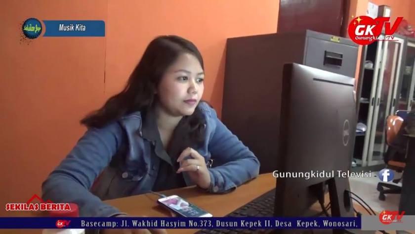 Salah satu personel karyawan di kantor Panwaslu Gunungkidul