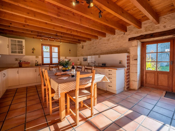 Luxury self catering France - Chateau de Gurat on Luxury Farmhouse Kitchen  id=56253