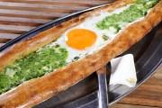 Fatih Karadeniz Pidecisi ıspanaklı ve yumurtalı pide