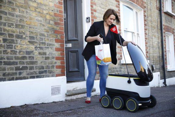 Just Eat paket sipariş robotu Londra'da servise başladı