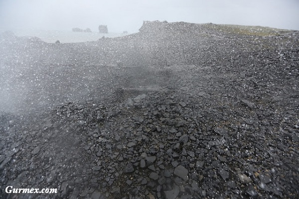 black-beach-izlanda