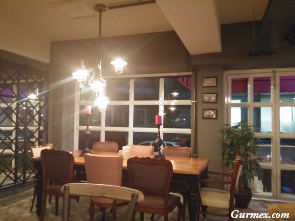 joven-evo-cafe-restaurant
