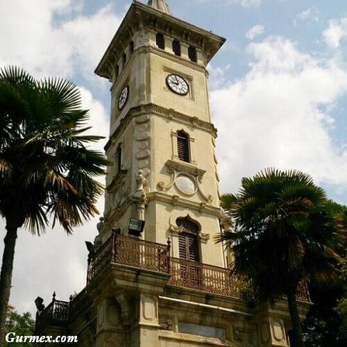 izmit-saat-kulesi-gezi-rehberi-gezilecek-yerler-tarihi-yerler-muzeler