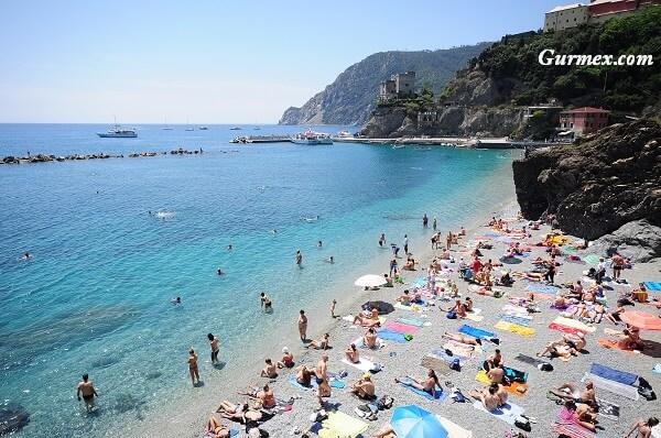 monterosso-koyu-cinque terre-plaji-kumsali-sahili-nerede-yuzulur-gezi-rehberi