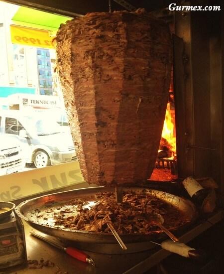 rizede-donerciler-ekmek-arasi-porsiyon-pilav-ustu-doner-huzur-pide-rize-gurme-blog