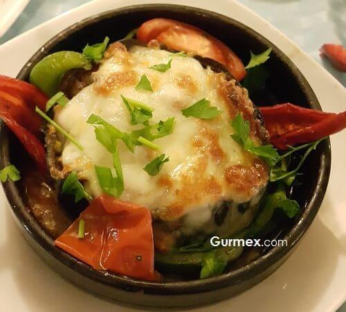 Bozcaada'da Ahtapot ızgara tavsiye,patlıcan merzane deniz ürünlü Boruzan Restaurant