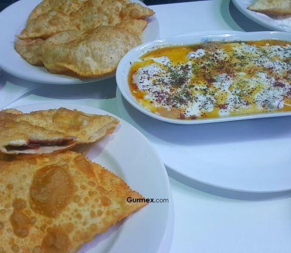 Akay Çiğbörekçisi: Bursa'da Çiğ Börek Nerede Yenir?