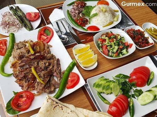 İstanbul'da kuzu çevirme nerede yenir Tandırevi