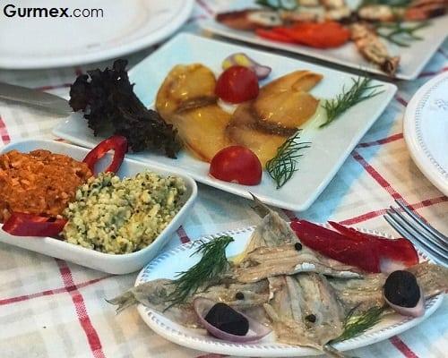 Bozcaada'da yeme içme
