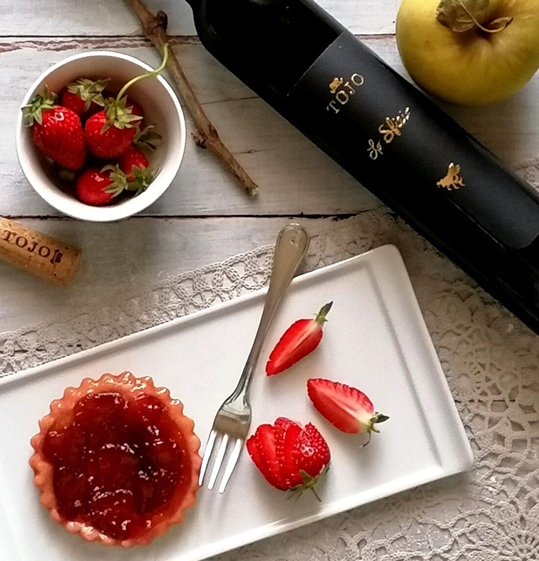 Tarte Tatin con fragole e mele