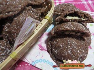 Dolcetti al cocco con cuore di cioccolato, buonissimi e golosi