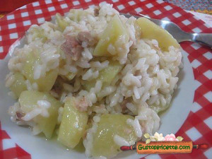 risotto patate e tonno, buonissimo e facile da preparare