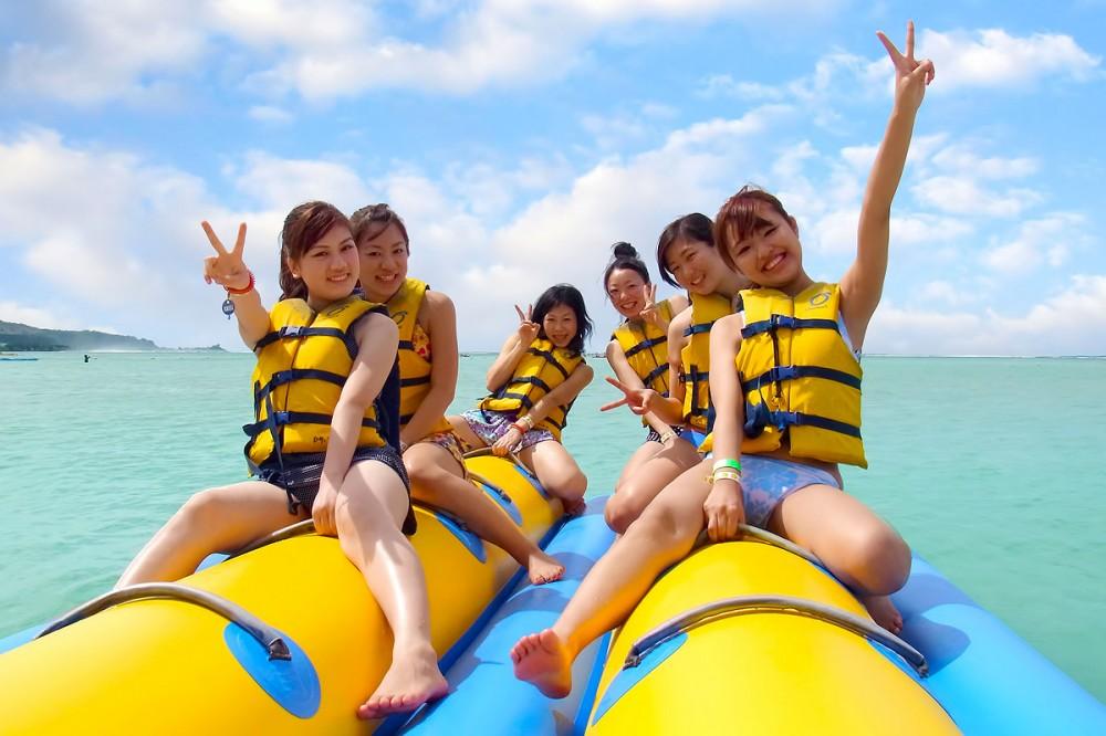 バナナボートに乗ってしゅっぱ〜つ! オーシャンジェットクラブ