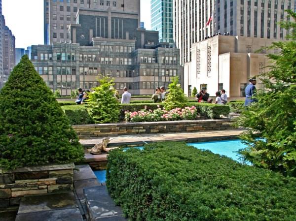 rooftop garden manhattan new york Rockefeller Center's Secret Roof Gardens - Gwarlingo