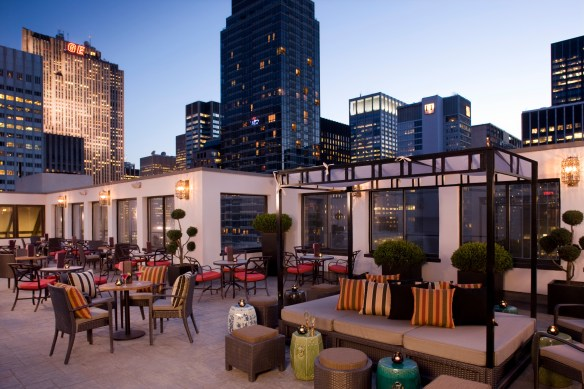 Peninsula Hotel NY Outdoor bar