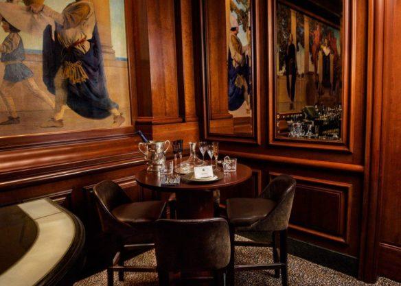 Table 55 King Cole Bar