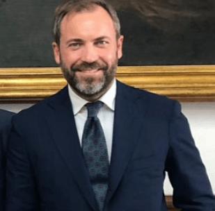 Conte presenta interrogazione sull'emergenza rifiuti