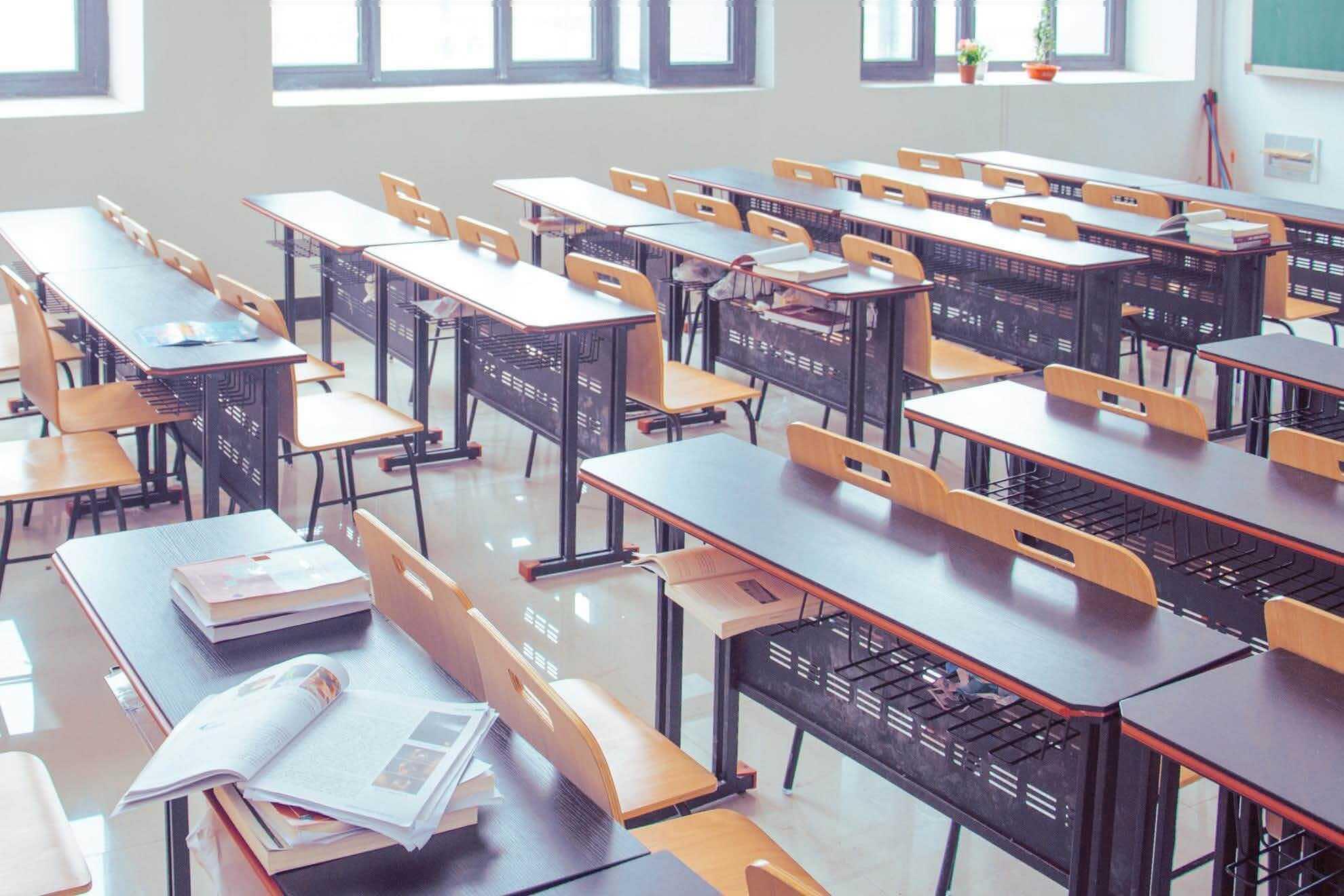 Covid, scuole sempre più chiuse - Gwendalina.tv