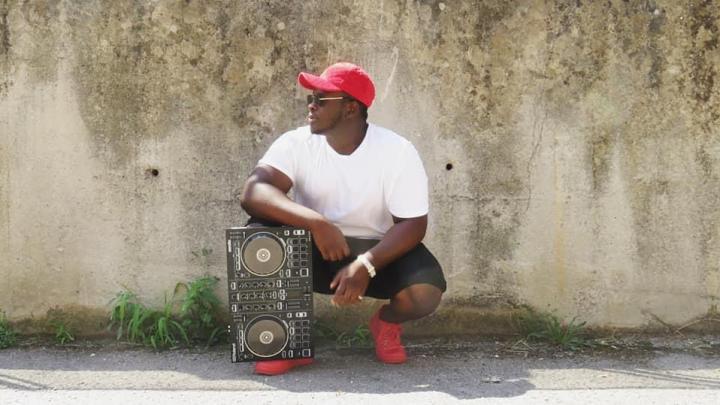 Dalla Nigeria al Cilento, nasce un nuovo programma radiofonico condotto dal richiedente asilo Daniel Agho Otoghile - Gwendalina.tv