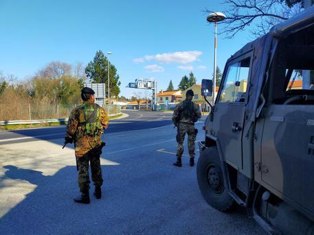 Provincia di Salerno, l'Esercito presidia gli svincoli autostradali - Gwendalina.tv