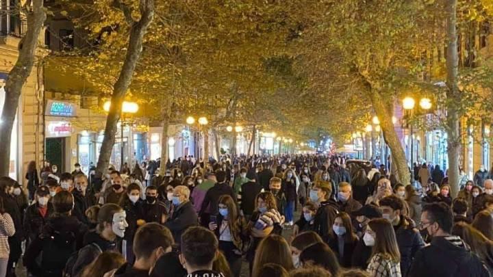 Campania, folla ovunque prima del lockdown - Gwendalina.tv