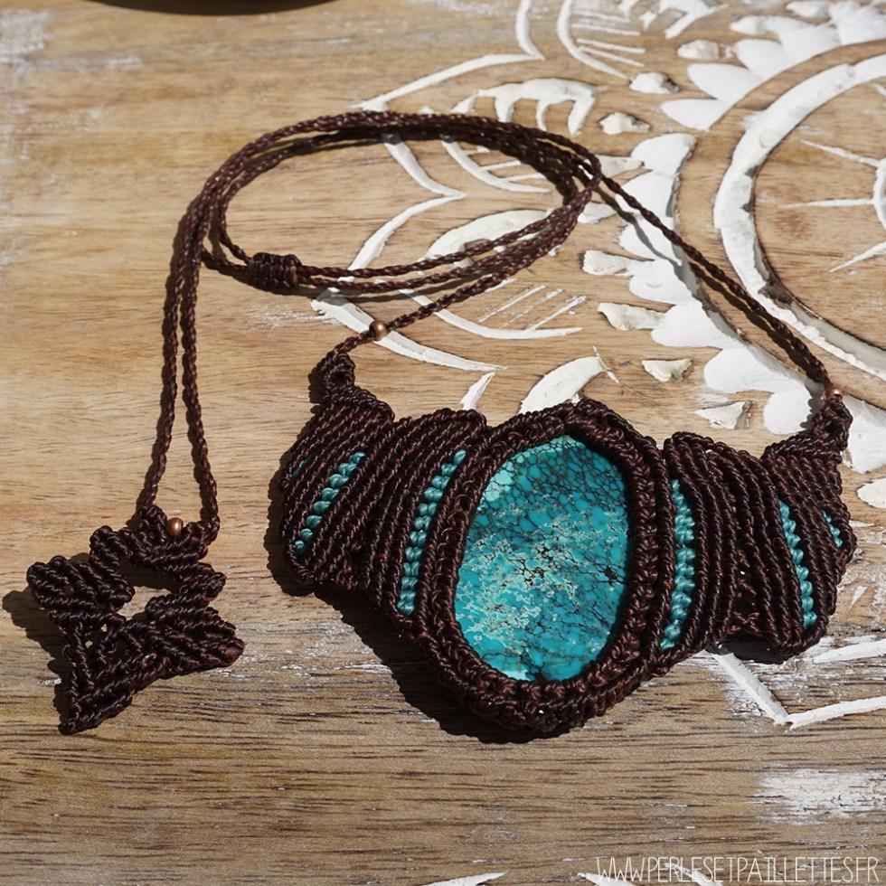 Collier en macramé et Turquoise