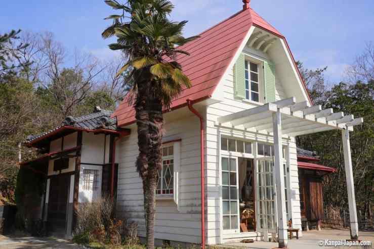 Rumah Satsuki dan Mei seperti yang terlihat di My Neighbor Totoro