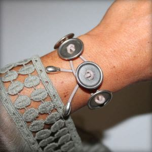 "Bracelet femme cuir ""bouton""3"