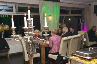 Büffet bei Kerzenschein