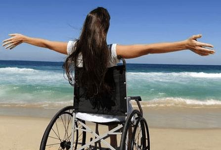 Camerota: mare anche per i disabili, il comune acquista una carrozzina multifunzionale