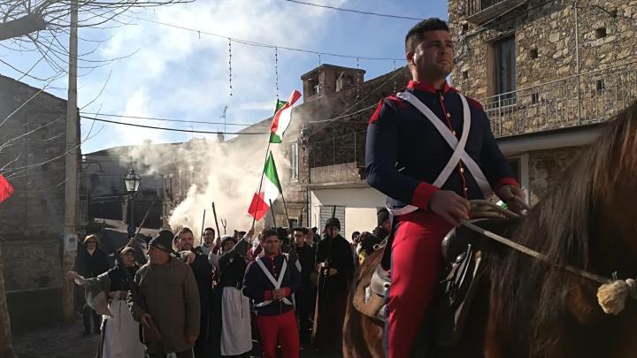 """A Vibonati la rievocazione storica """"Viva il Re! Abbasso il Re!»"""