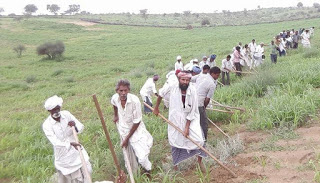 मिलजुल कर कृषि कार्य करना और ल्हास रूपी दावत का मजा