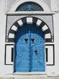 Photo: Blue door of Tunisia. Credit: Lisa Borre.