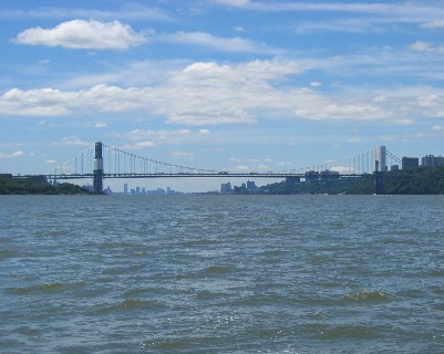 Photo: Looking south toward the George Washington Bridge. Credit: L. Borre.