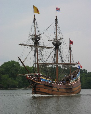 Photo: Replica of the Half Moon on the Hudson River. Credit: L. Borre.