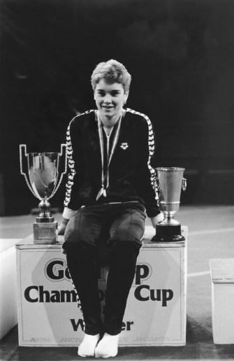 Lisa Elliott wins Champions Cup