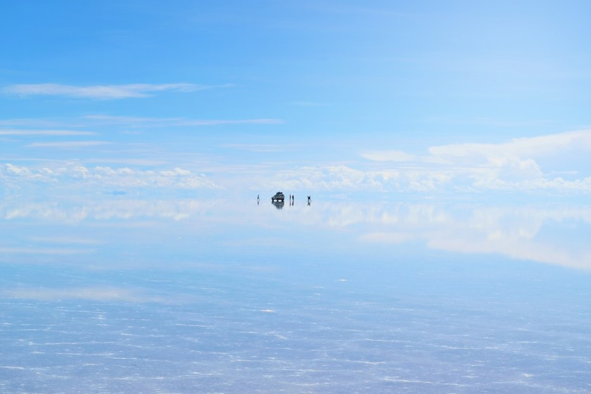 3-salar-de-uyuni-bolivia-flooded-water-reflection-stunning-jeeps-sky