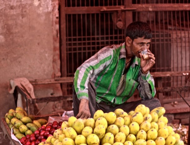 a fruit market in India