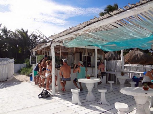 Coco Beach Club bar