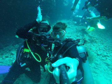 Grant and Rachel while diving in Kauai