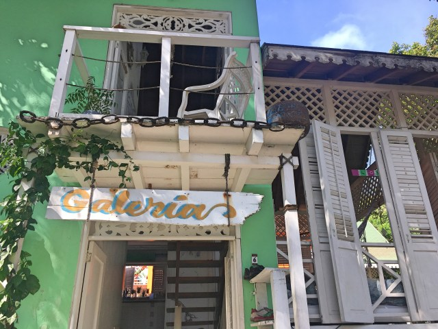 galeria hostel on isla grande