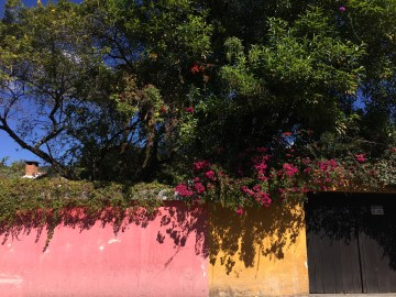 antigua guatemala colors