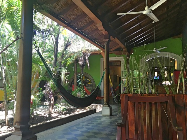 oasis hostel granada